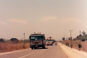 Caravana llegando a El Poy